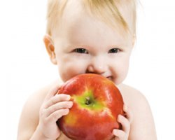 Блюда из яблок для детей