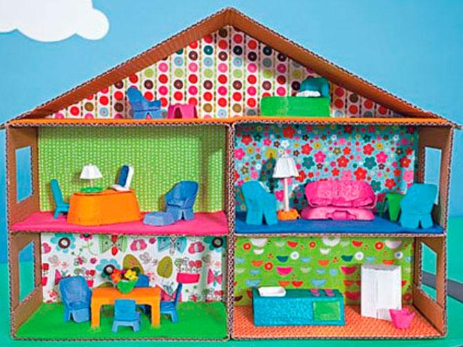 Как сделать домик из кукольный коробки своими руками видео