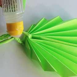 осенний листик из бумаги