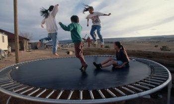 Спортивные батуты – отличные тренажеры для взрослых и детей