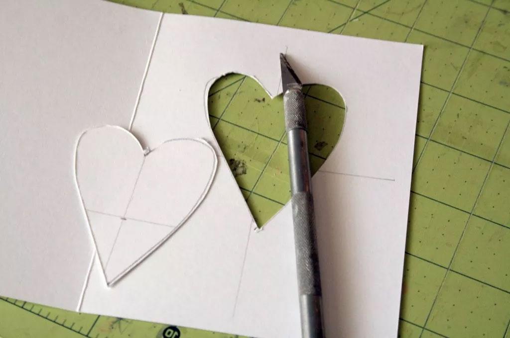 Как сделать открытку с вырезом