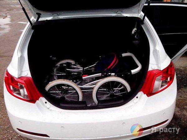 коляска в багажнике