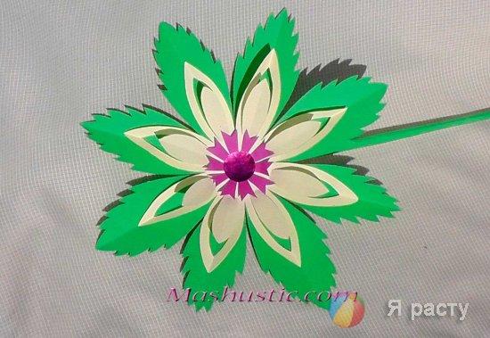Цветок из бумаги на 8 марта