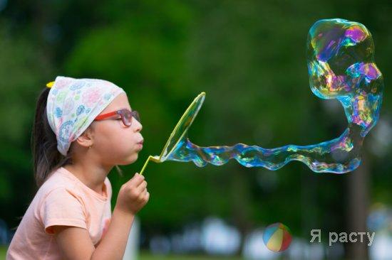 Как сделать крепкие мыльные пузыри для детей